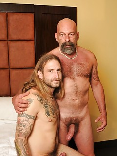 Gay Daddy Porn